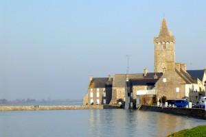 L'église Notre-Dame de Portbail accueillera les Fieffés Musiciens pour un concert le 19 juillet 2015.